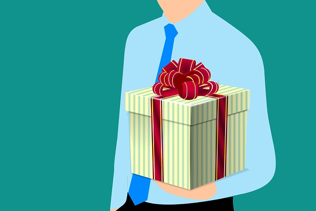 Omaggi di Natale: scopri come comprare i regali per i tuoi amici e parenti a nome dell'azienda